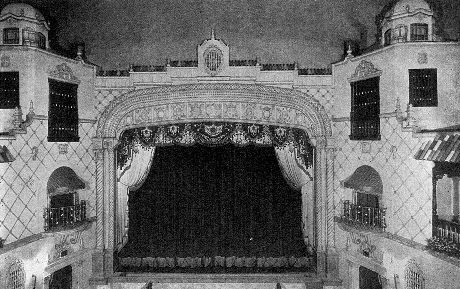 1930 photo of Ritz Auditorium