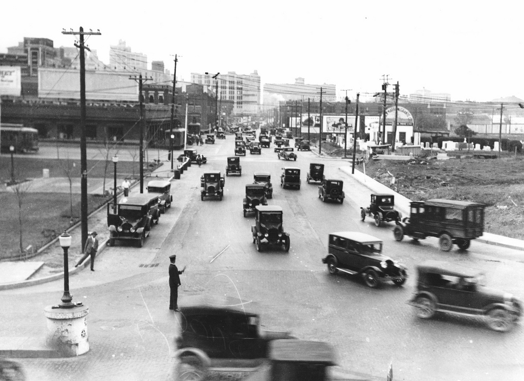 Traffic at Young & Houston Streets in the late 1920s