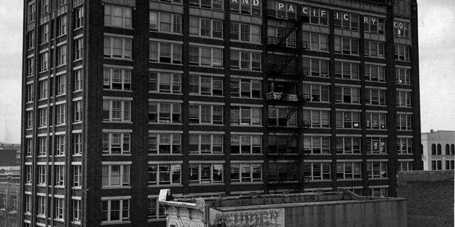 Huey & Philp Exterior